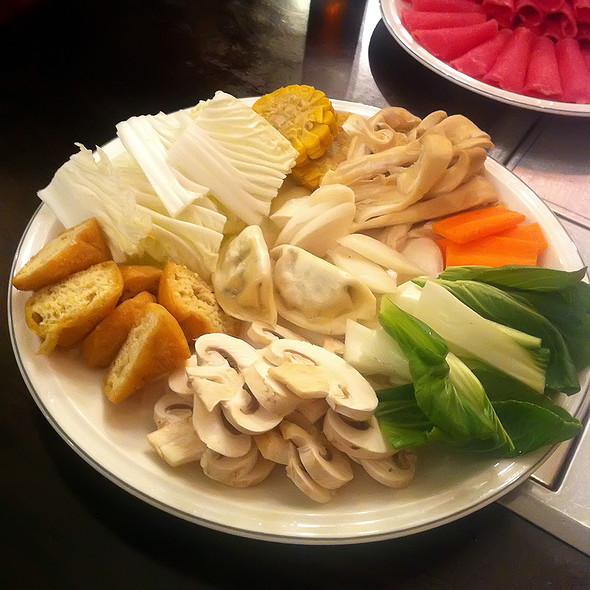 Vegetables shabu shabu