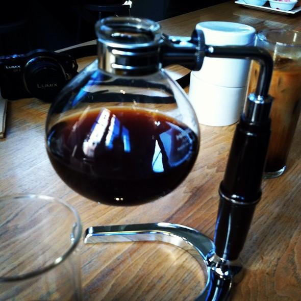Siphon Brew Coffee @ Blue Bottle Coffee