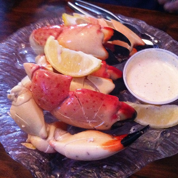 Florida Stone Crab Claws @ Whales Rib Inc