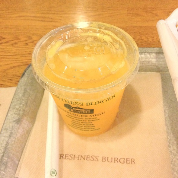 Fresh Squeezed Orange Juice @ フレッシュネスバーガー代々木店