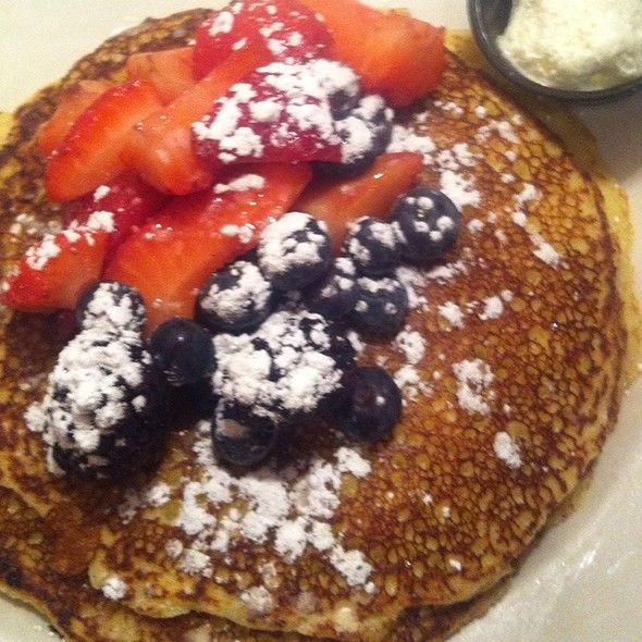 Lemon Ricotta Hotcakes @ Hell's Kitchen