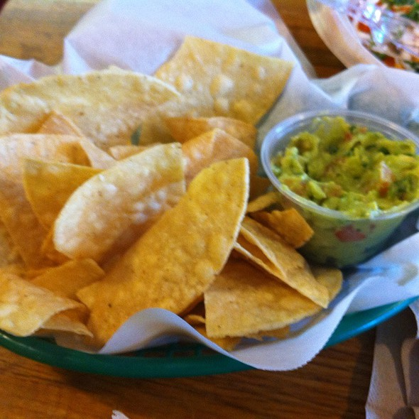 Chips and Guacamole @ District Taco