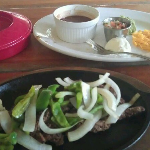 Fajitas @ Lone Star Cantina And Grill