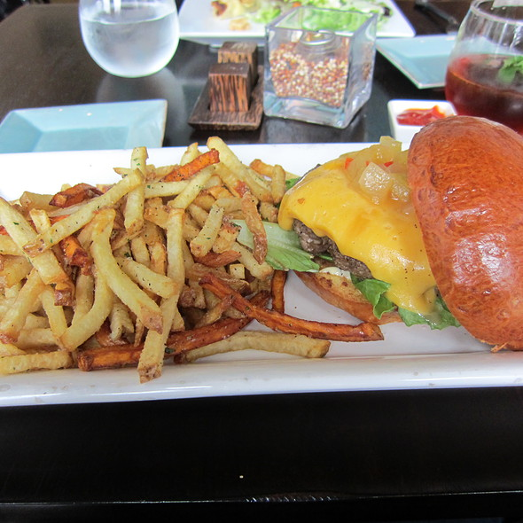 Cheeseburger And Fries @ Halcyon