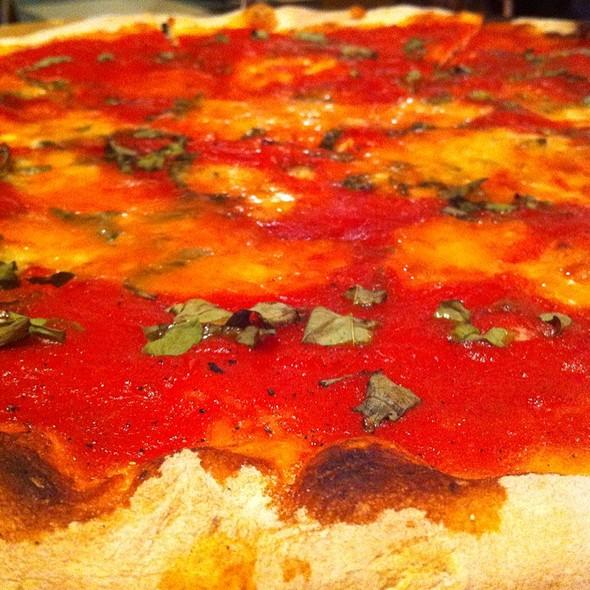 Pizza Margherita @ Tacconelli's Pizza