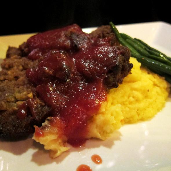 Meatloaf - Ze Mean Bean Cafe, Baltimore, MD