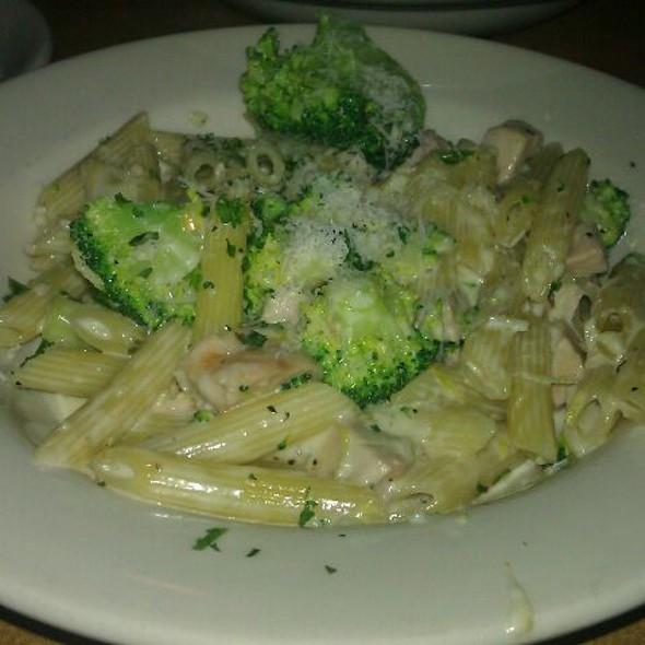 Brocolli Chicken Penne - Mama Ricotta's, Charlotte, NC