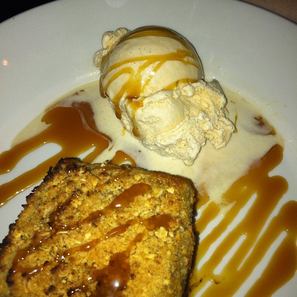 Warm Granny Smith Apple Crisp - Thistle Lodge Restaurant, Sanibel, FL