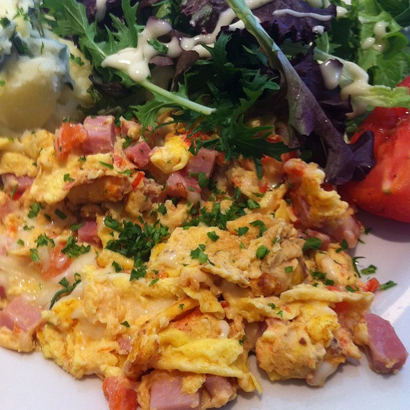 Ham And Egg Scramble - Petite Abeille - 20th Street, New York, NY