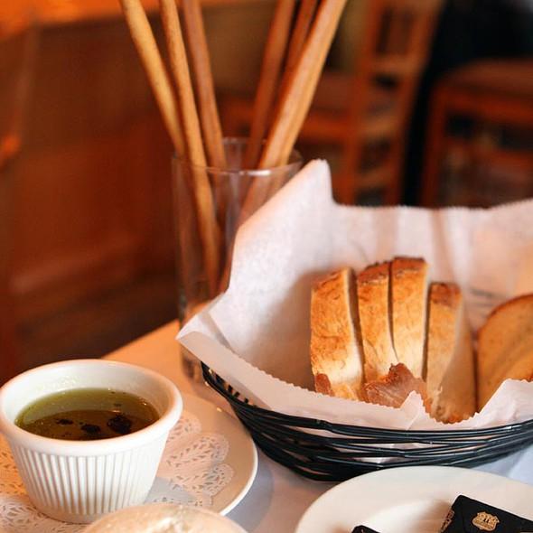 Bread - Lorenzo's Trattoria, St. Louis, MO