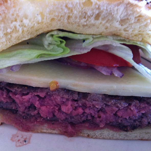 Cheeseburger - Sly's, Carpinteria, CA