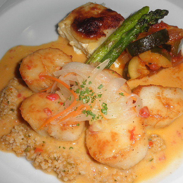 Sauteed Fresh Scallops With Saffron Cream Sauce - Cafe Miro, Honolulu, HI