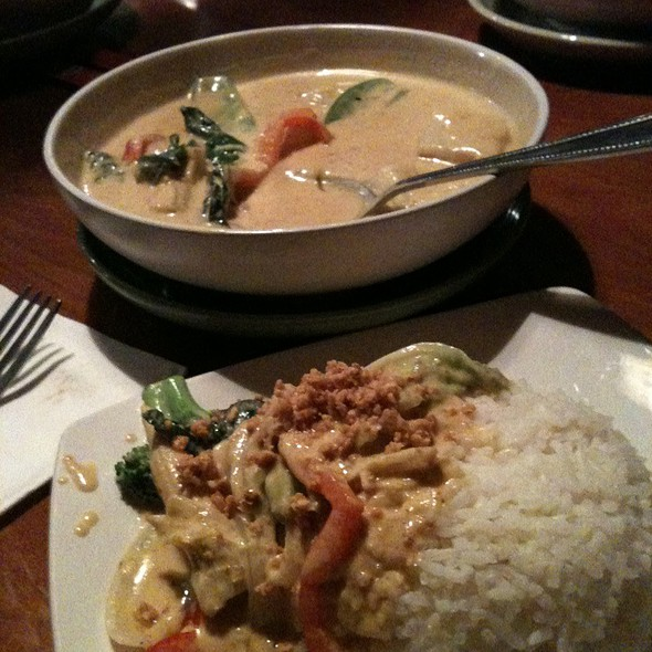Vegetable Mild Yellow Curry - Thai Thani - Orlando, Orlando, FL