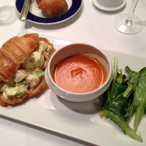lobster roll - Petrossian - New York, New York, NY