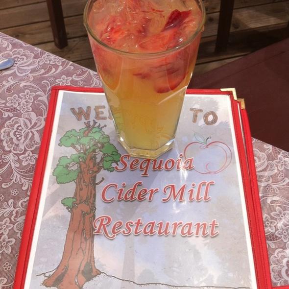 Strawberry Lemonaide - Sequoia Cider Mill Restaurant, Three Rivers, CA