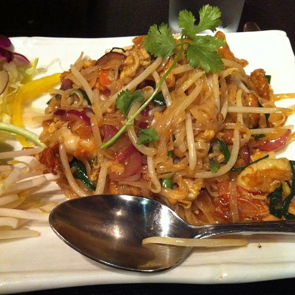 Phad Thai With Shrimp - Try Thai, Manchester