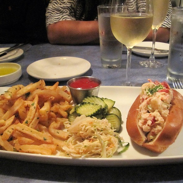 lobster roll - B&G Oysters, Boston, MA