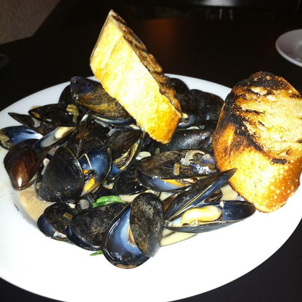 Steamed PEI Mussels - Cipollina, Austin, TX