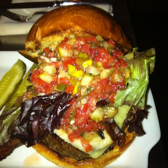 David's Wagyu Pub Burger - David's Club Bar & Grill, Orlando, FL