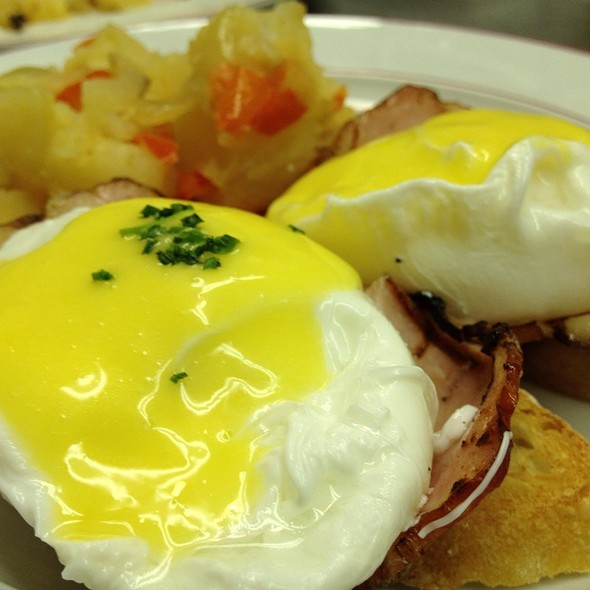 Eggs Benedict - Bistro Chat Noir, New York, NY