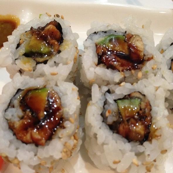 Eel Avocado Roll - Bisuteki Japanese Steakhouse and Sushi Bar - Four Points Sheraton Boston Logan, Revere, MA