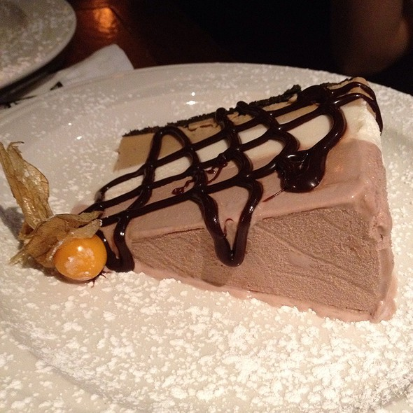 Hedgehog Ice Cream Pie - Steamworks Gastown, Vancouver, BC