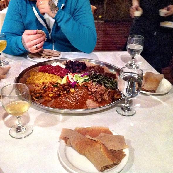 Demera Messob - Demera Ethiopian Restaurant, Chicago, IL