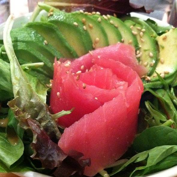 Tuna avocado salad - Hot Woks Cool Sushi - Willis Tower, Chicago, IL