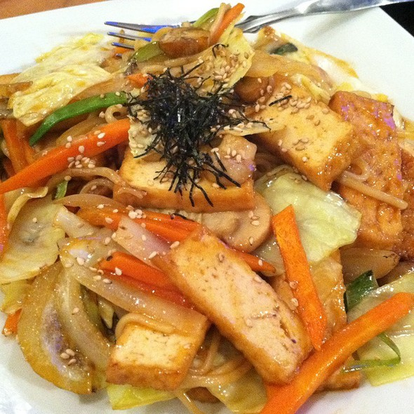 Yakisoba - Hot Woks Cool Sushi - Willis Tower, Chicago, IL