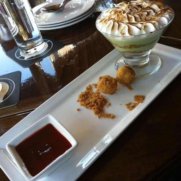Keylime Tartlet  - Mike Shannon's Steaks & Seafood, St. Louis, MO