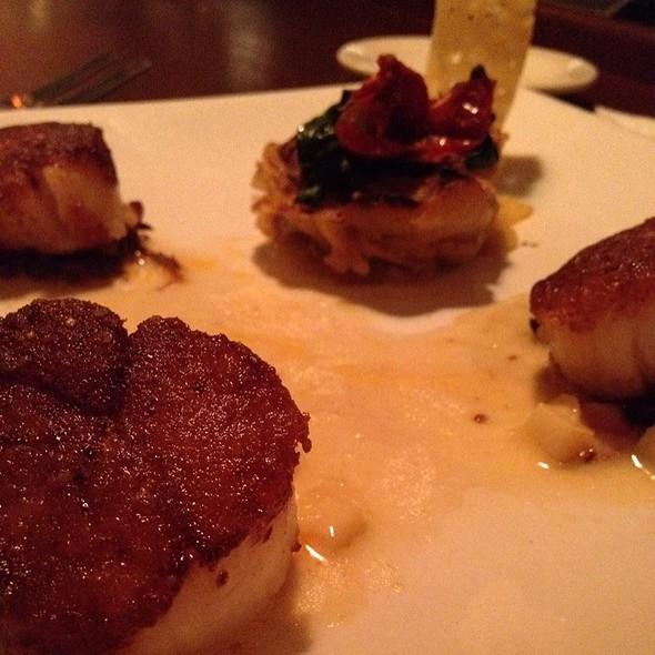 Scallops - The Brooklyn Seafood, Steak & Oyster House, Seattle, WA