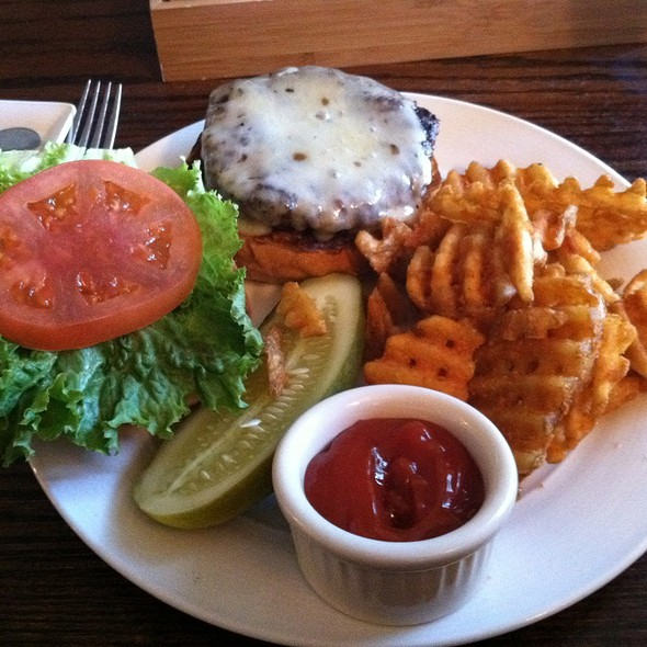 Burger - The Marsh Tavern @ Equinox, Manchester Village, VT