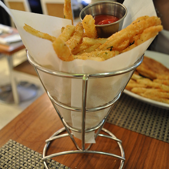 Parmesan Fries - Cafeteria Boston, Boston, MA