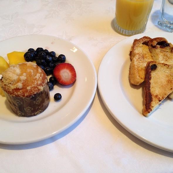 Breakfast Buffet - Canal Street Grill, New Orleans, LA