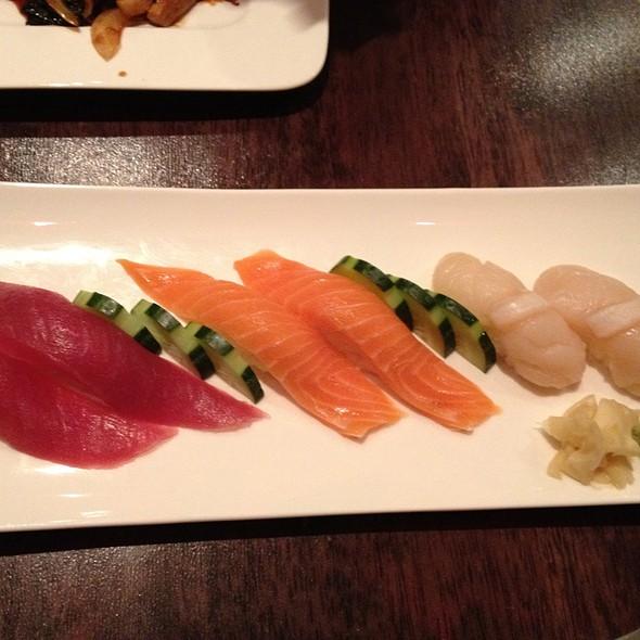 Sushi - Tuna, Salmon & Scallop - Arbor Bistro, New York, NY