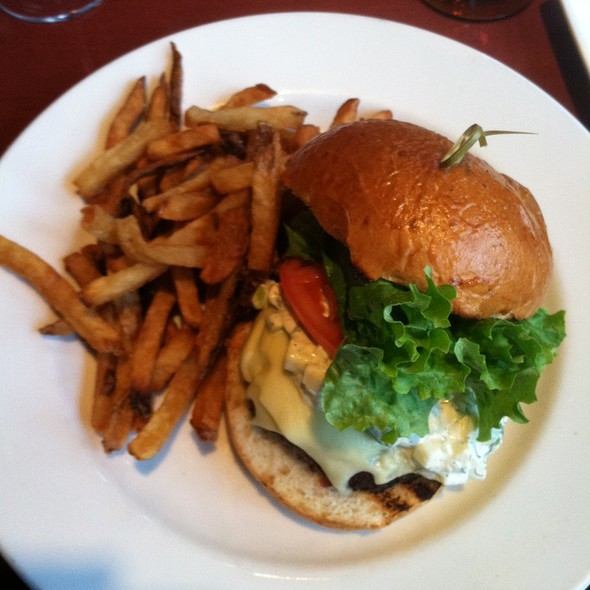 Jenny Farm Steak burger - Harry's Savoy Grill, Wilmington, DE