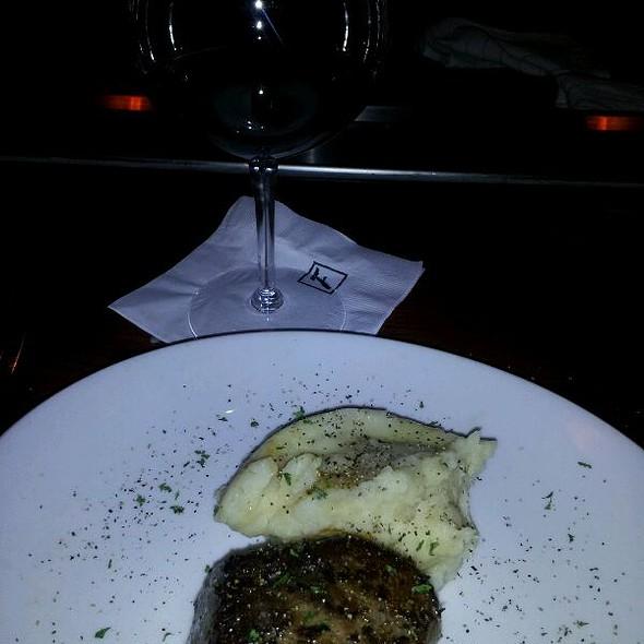 Lite Petite Filet Steak - Fleming's Steakhouse - Austin The Domain, Austin, TX
