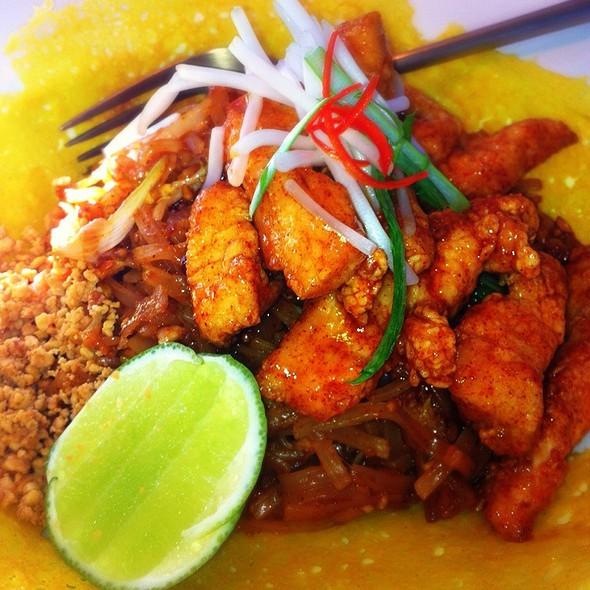 Chicken Pad Thai - Nan Thai Fine Dining, Atlanta, GA