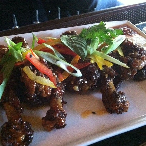 Duck Wings - Jedediah Hawkins, Jamesport, NY