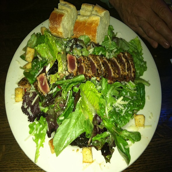 House Salad With Ahi Tuna - Jonah's Seafood House, East Peoria, IL