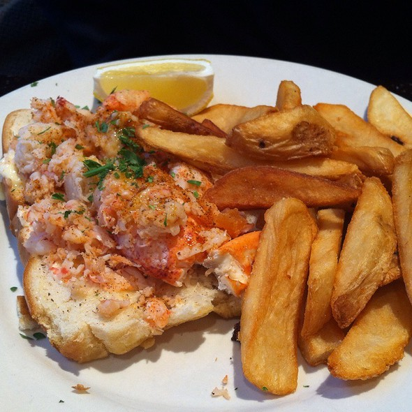 Lobster Roll (Sandwich) - Stone Street Tavern, New York, NY