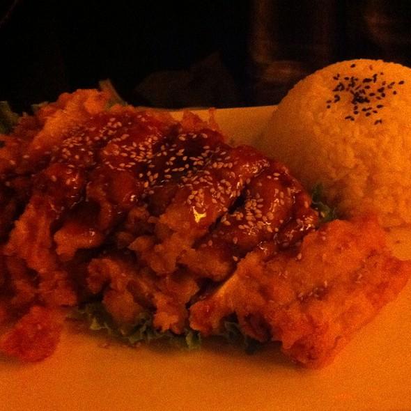 Sesame chicken - Sapporo Grill, Sacramento, CA