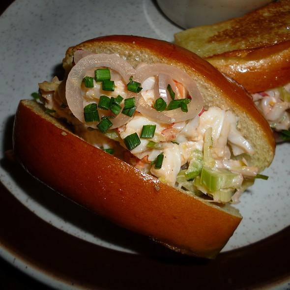 Lobster Rolls - Taverne Gaspar, Montréal, QC