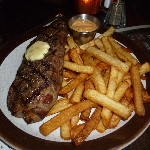 Steak Frites - Taverne Gaspar, Montréal, QC
