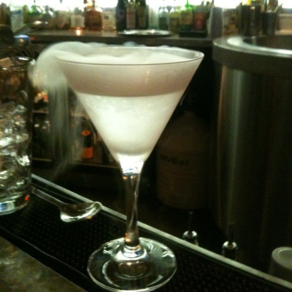 Vodka Martini - Ritz Bar - Ritz Carlton Toronto, Toronto, ON