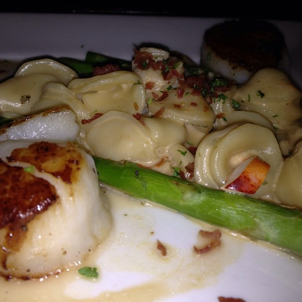 Seared Jumbo Scallops - Red Fish - Hilton Head, Hilton Head Island, SC