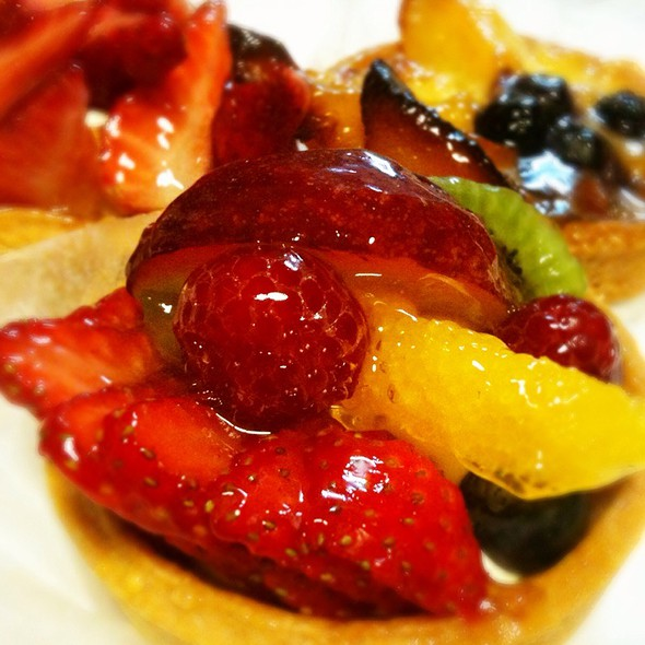 Mixed Fruit Tart - Pierre's - Bridgehampton, Bridgehampton, NY