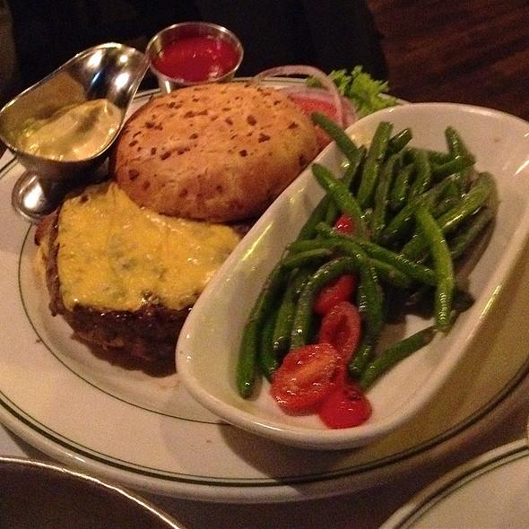 Cheeseburger - District Chophouse, Washington, DC