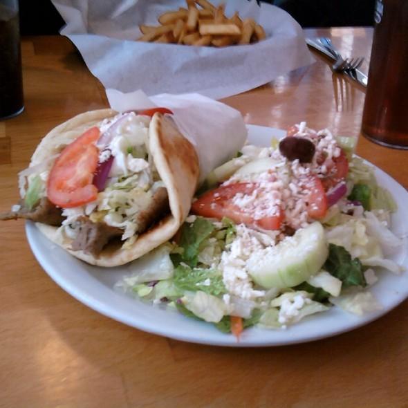 California Pizza Kitchen Wellesley: Dawayne D Butler