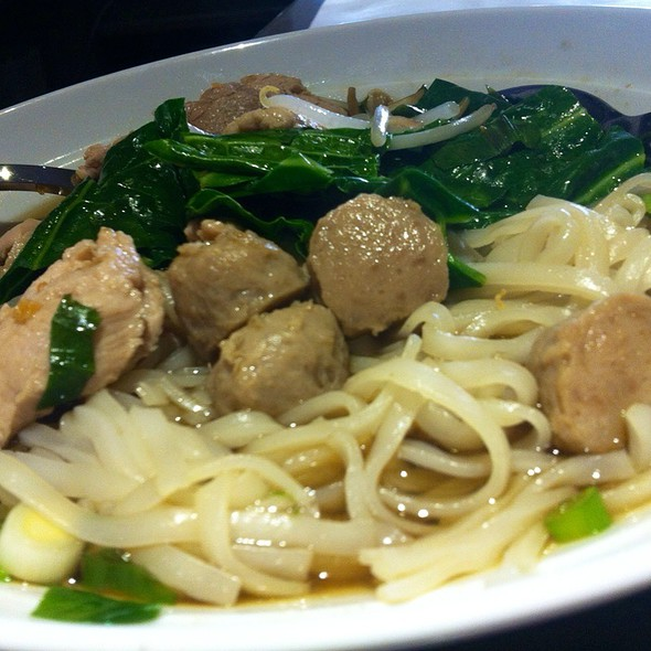 Pork Noodle Soup With Pork Balls - Thai Upon Thames, Twickenham, Greater London